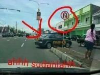 wpid-polisi-melanggar-lalu-lintas-jpg