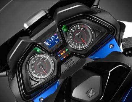 2015-Honda-Forza-125-006