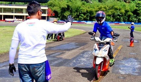 latihan-safety-riding-pengereman