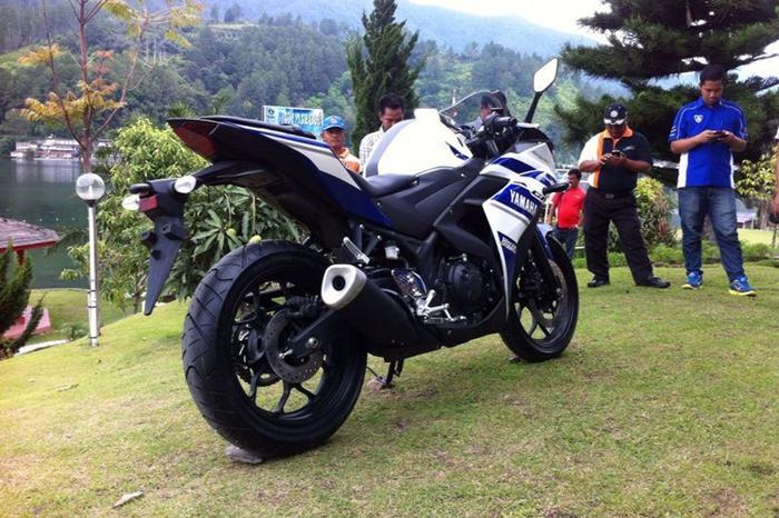 yamaha-r25-terbaru-2014-di-indonesia