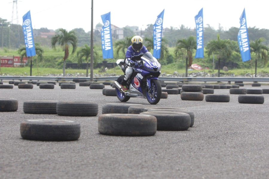 Fun riding competition dengan All New R15 di Yamaha Sunday Race (2)