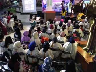Peserta wanita dari masyarakat umum dan komunitas Fino di event New Fino 125 Blue Core Beauty Class dan Safety Riding (3)