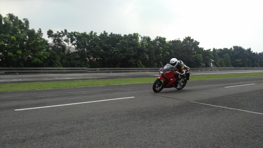 Speed Challenger GSX-R150 2