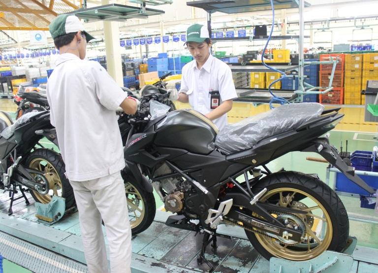 Neh AHM Rilis Warna Ekslusif Honda CB150R 2017 ….. DOHC 17