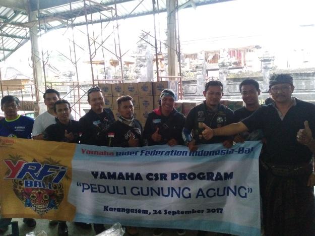 Yamaha Salurkan Bantuan untuk Pengungsi Gunung Agung (2)