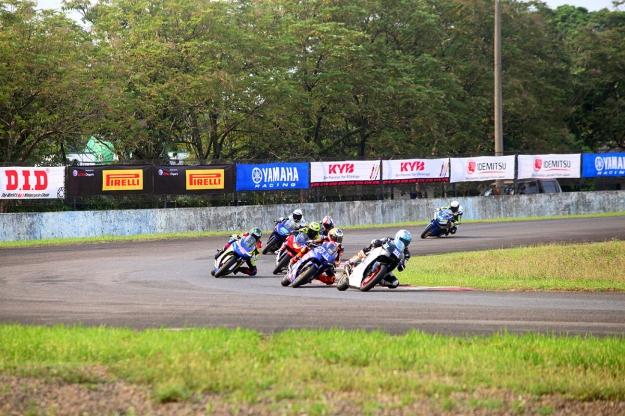 Yamaha Sunday Race 2018 yang diramaikan 215 starter di seri pertamanya..