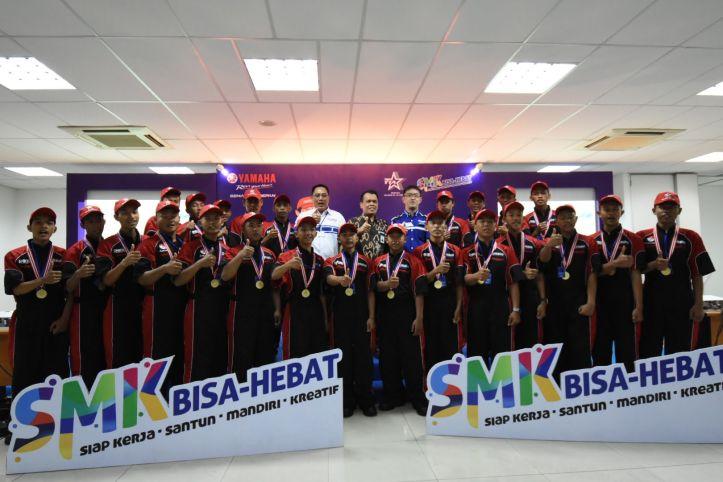 Manajemen PT.YIMM dan Perwakilan Kemendikbud Berpose Bersama Peserta SMK Contest 2018