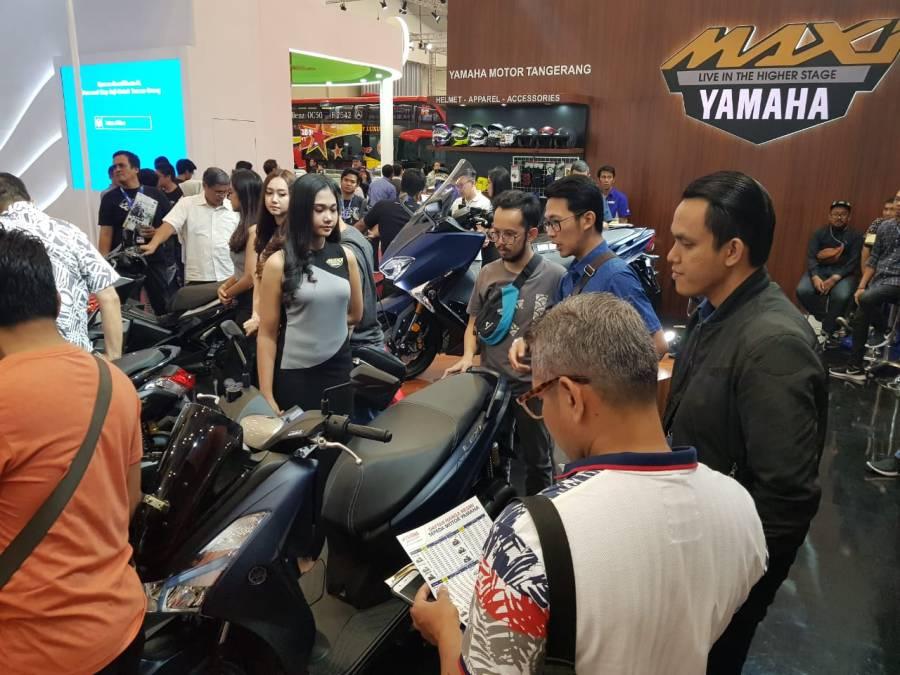 Keramaian di booth Yamaha di GIIAS (3)