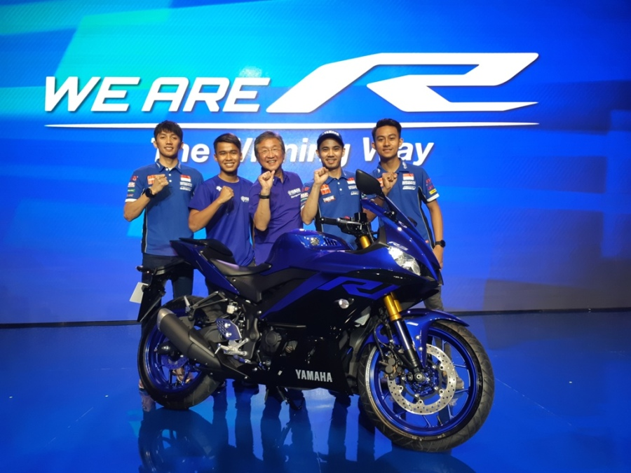 Launching New R3 dan R25 Bersama Pembalap Yamaha Racing Indonesia WorldSSP300 dan Asia Road Racing Championship