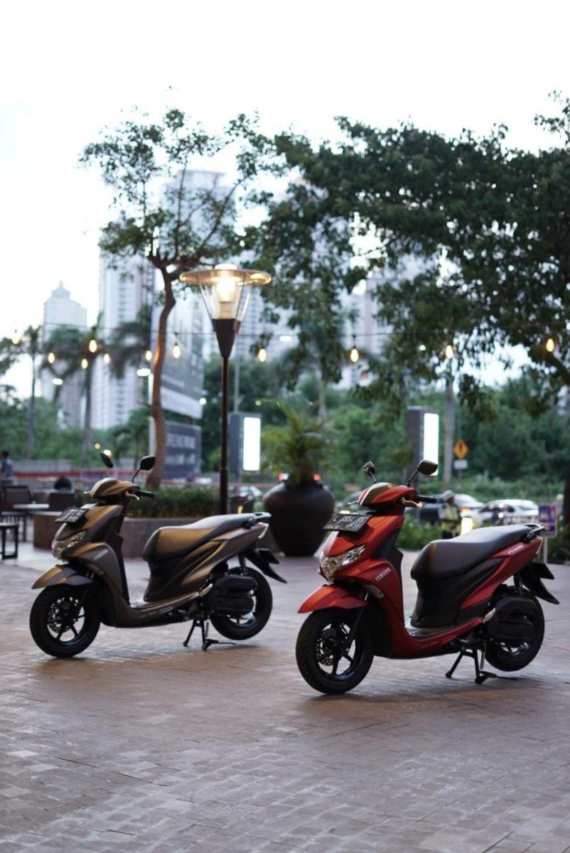 OtoReview : First Impression Yamaha Freego 125. Skutik Standard dengan Fitur Maxi.....